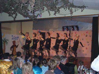 Tänzerinnen2007.JPG